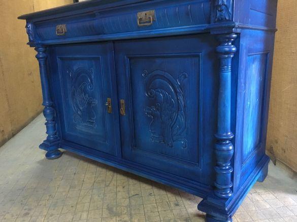 Невероятен старинен шкаф от масив