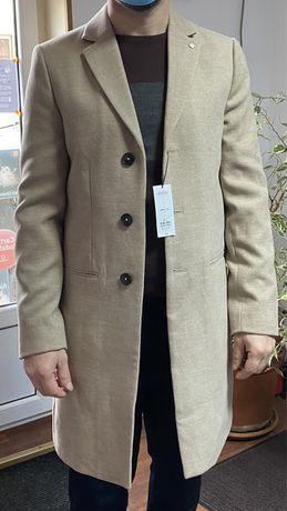 Palton Burton lana moale crem nou