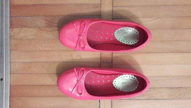 vand pantofi fetite si sandale nr.34