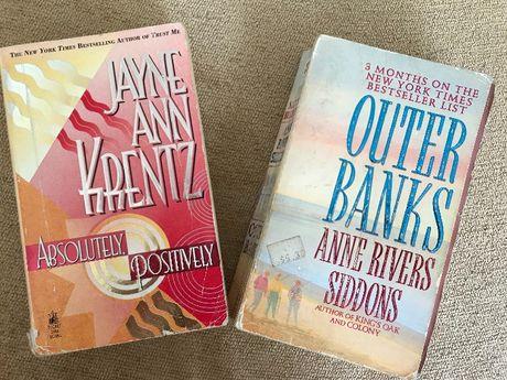 2 книги на английски език