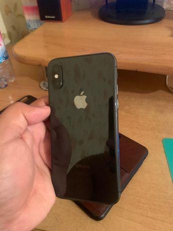 IPhone XS телефон
