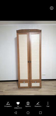 Шкаф двухдверный плательный
