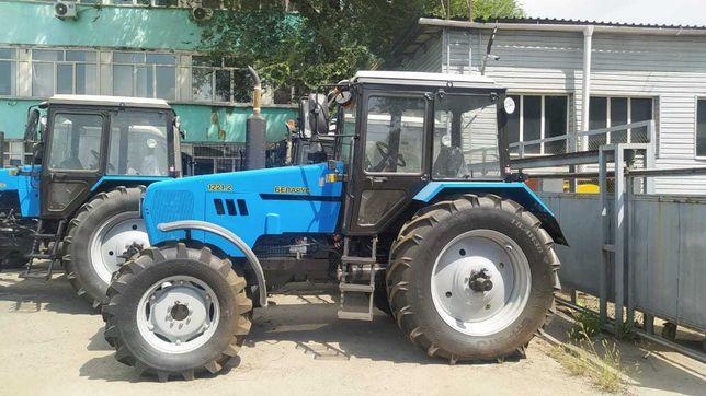 Трактор Беларус-1221Т с тропическим радиатором и доп. топливным баком
