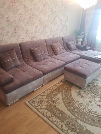Продаю диван в гостиную