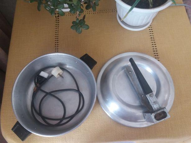 чудо печь,орешница,лапшерезка.