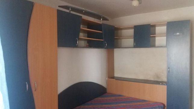 Mobila de dormitor,birou si scaun