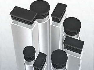 Protecția stâlpilor cu dopuri/capace plastic 20*20