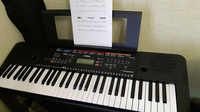синтезатор Yamaha psr e263