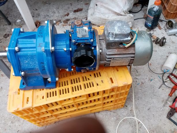 motor cu reductor