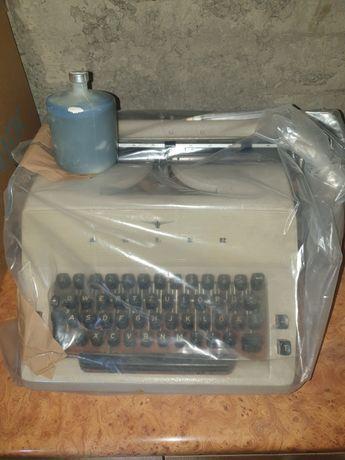 Masina de scris alder