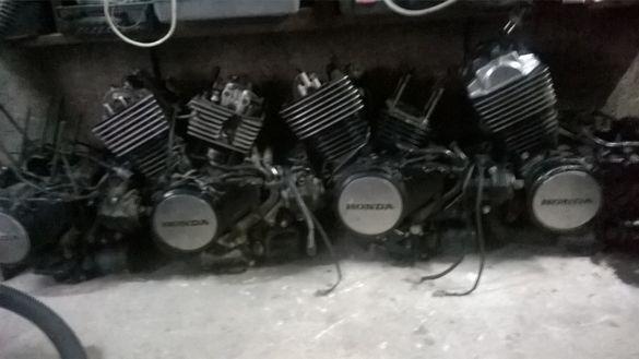 Хонди Магна 750 и VT500 на части .Чопъри и части