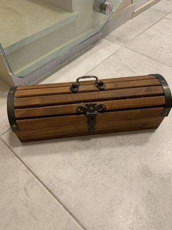 Декоративна дървена кутия  за бутилка