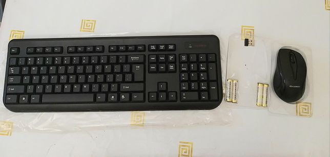 Безпроводная клавиатура и мышь
