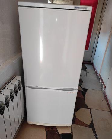 Рабочий холодилник самовывоз