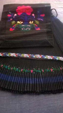 Народна носия р-р на пищимала 55-65 цената е 400 лв.