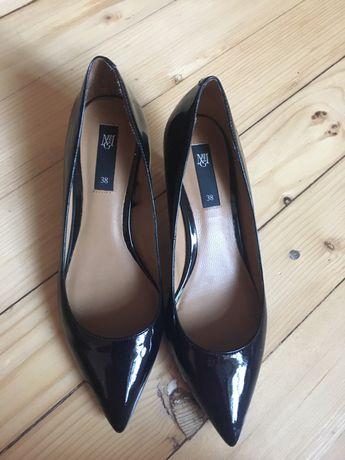 нови черни остри лачени обувки Mango, 38 номер