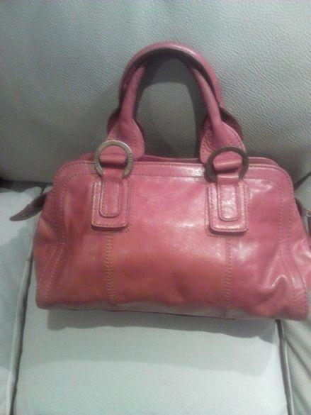 Без никакви забележки маркова естествена кожа чанта. Керемидов цвят.
