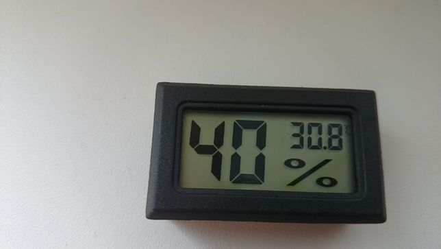 Термометр-гигрометр(измеритель влажности)
