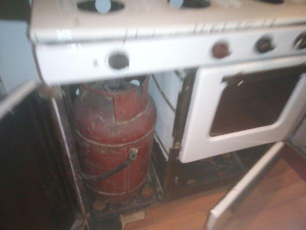 Газовая плита 3-х конфорочная