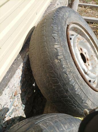 Продам колесо размер r13 вместе с диском
