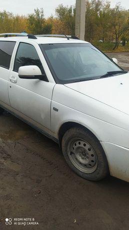 Машина Лада Приора универсал