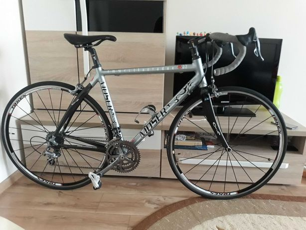 Cursiera carbon-aluminiu - Francesco Moser M82 - linie Campagnolo 3x10