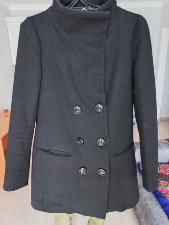 Продам пальто р 46