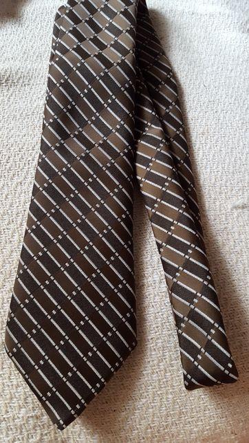 Cravata barbateasca noua maron