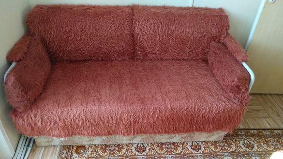 Малък диван-тръбен разтегателен с ракла