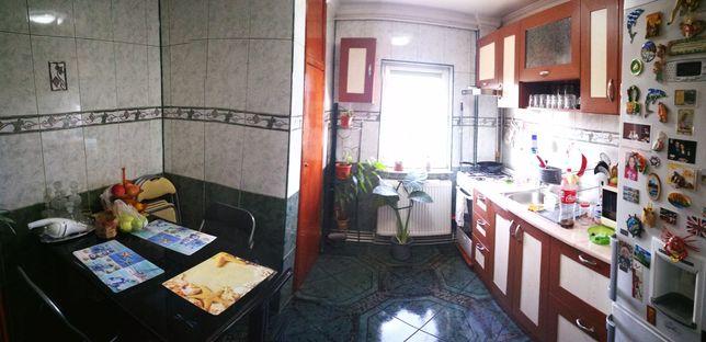 Vand in rate apartament 4 camere, mobilat, zona Confectii