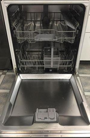 Serie | 4 Полновстраиваемые посудомоечные машины 60 cm SMV51E30EU