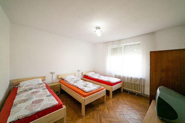 Cazare muncitori, renovat recent, zona Vlaicu-Bujac: 30 LEI/zi neg.