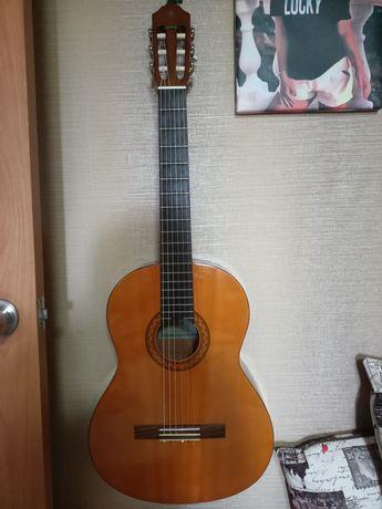 Продам гитару акустическую (классика)