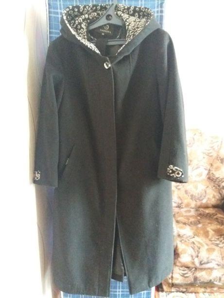 Женское пальто 50 р-р.