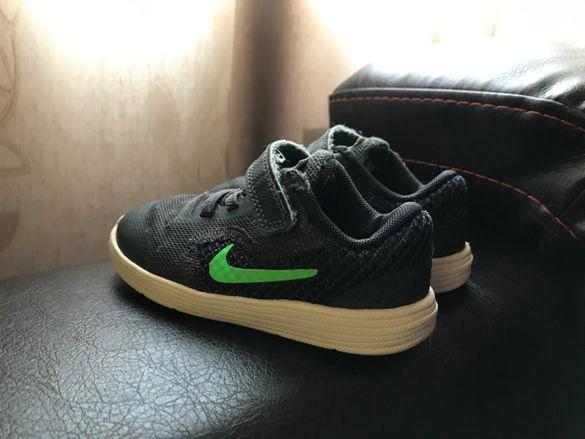 Детски маратонки Nike Revolution 3