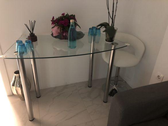 Бар стол+ стъклена маса