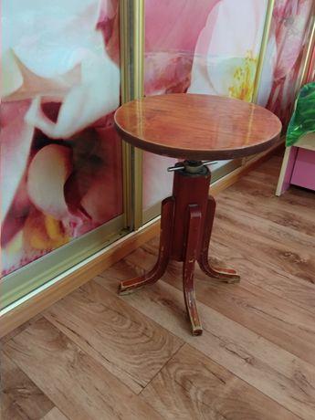 Продам стул для пианино