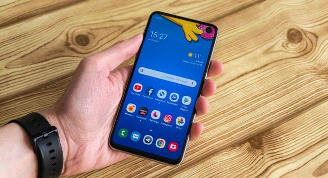 Продам срочно Samsung S10e