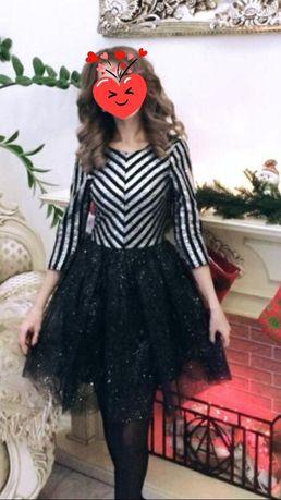 Платье на девочку 7-12 лет