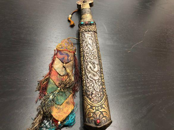 Стар Индийски нож