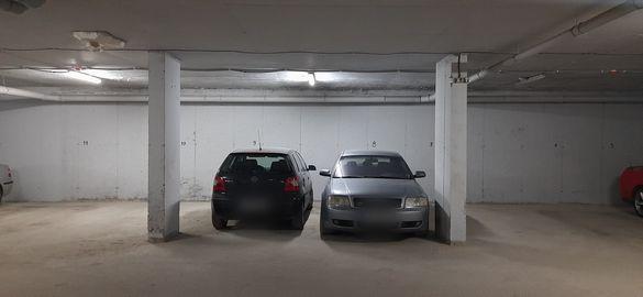 Продавам 2 паркоместа в Студенски град в подземен гараж