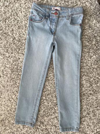 Чисто нови дънки за момиче 4-5г.