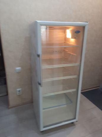 Продам виTpuнный холодильник, в отличном состоянии