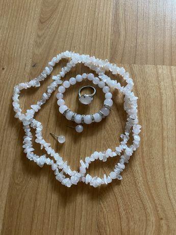 Лот бижута естествени камъни розов кварц, слънчев камък, перли