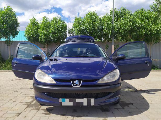 Продам или обменяю автомобиль Peugeot 206