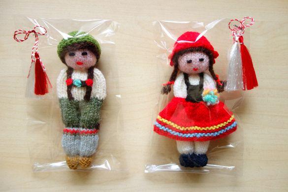 УНИКАТ! Ръчно плетена кукла мартеница
