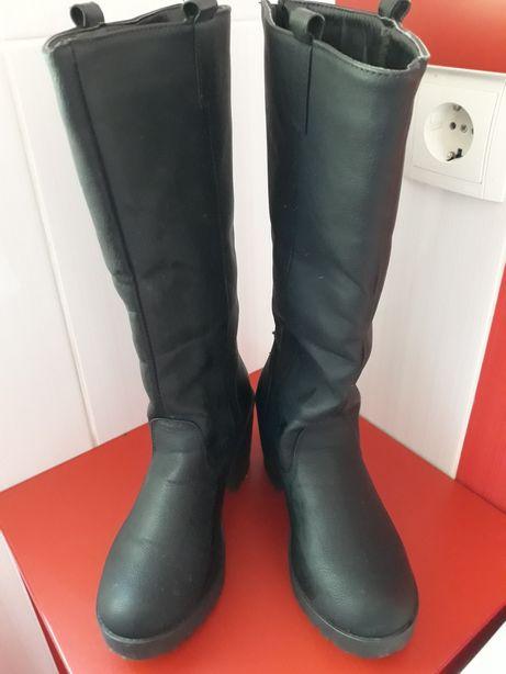 Vand cizme mărimea 38
