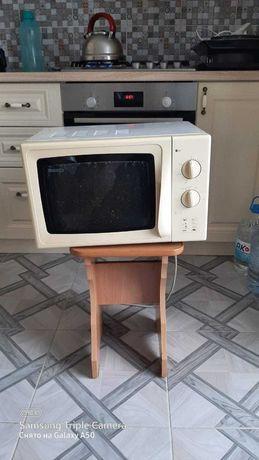 продам микроволновую печь в отличном состоянии