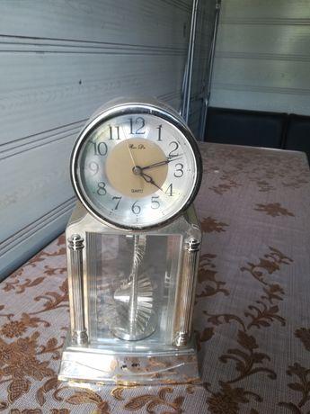 Часы на столный продам