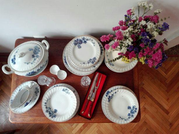 Serviciu de masă pentru 12 persoane din porțelan manufactură Iris-Cluj